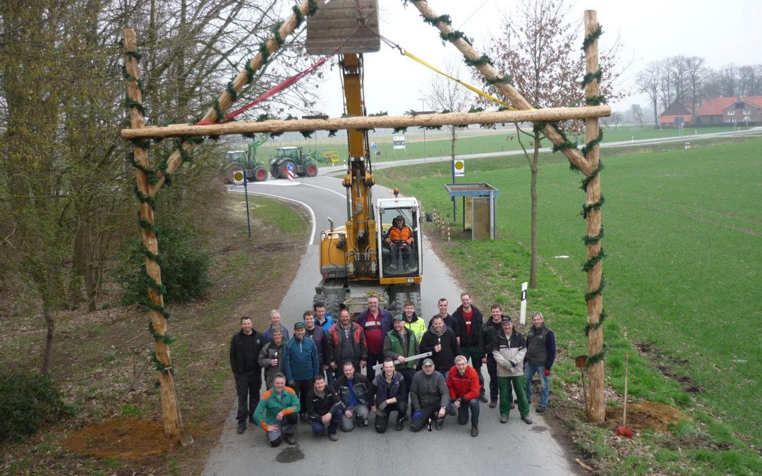 Torbögen zum Jubiläum aufgestellt &  Frühjahrsputz im Vereinsheim